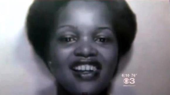 Mujer aparece viva 13 días después de su funeral